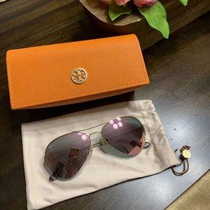 💕Tory Burch rose gold sunglasses
